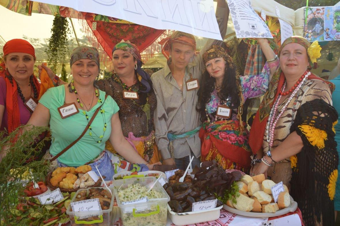 Заводчане АКХЗ организовали для жителей города настоящий фестиваль еды (ФОТОФАКТ), фото-13