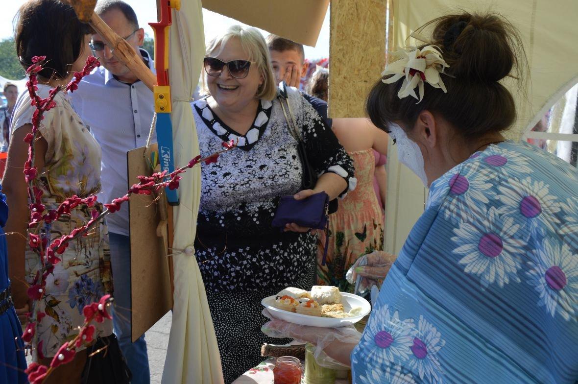 Заводчане АКХЗ организовали для жителей города настоящий фестиваль еды (ФОТОФАКТ), фото-6