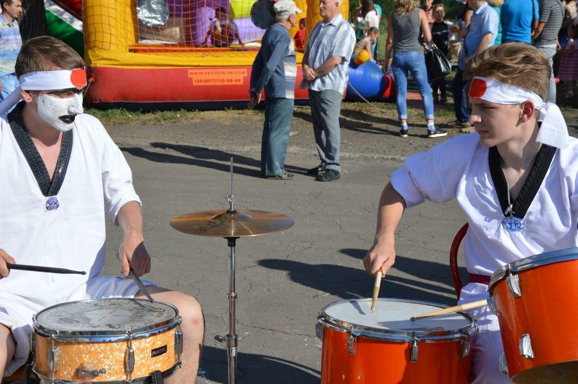 Заводчане АКХЗ организовали для жителей города настоящий фестиваль еды (ФОТОФАКТ), фото-3