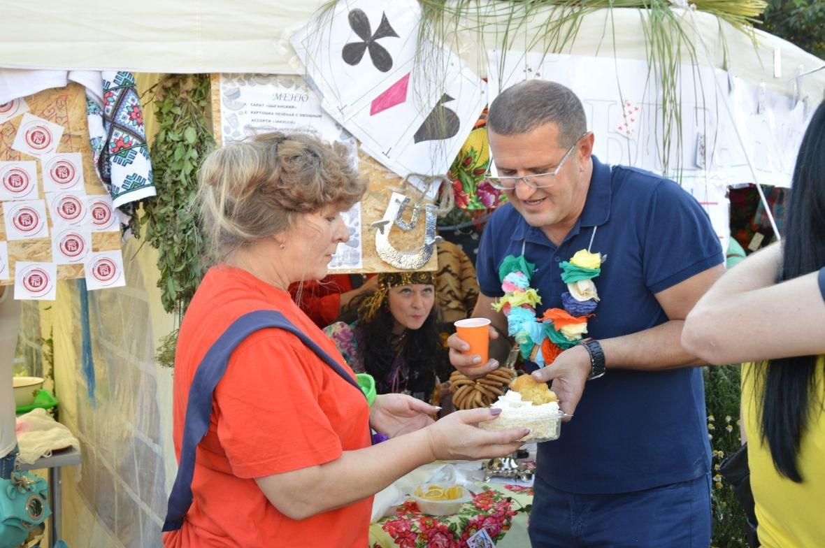 Заводчане АКХЗ организовали для жителей города настоящий фестиваль еды (ФОТОФАКТ), фото-31