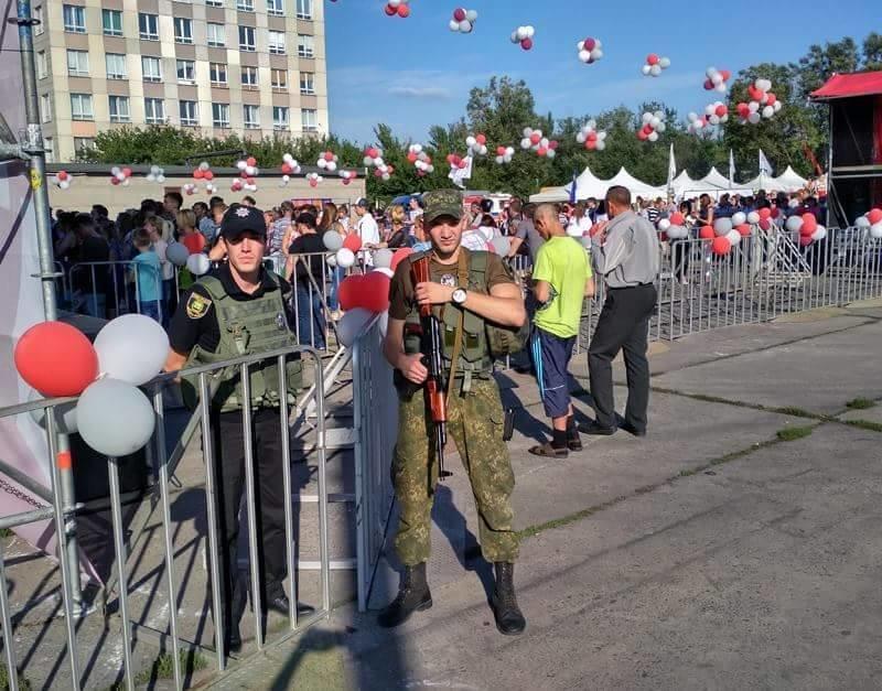 В Авдеевке праздничные мероприятия ко Дню металлурга и горняка прошли под охраной полиции (ФОТО), фото-1