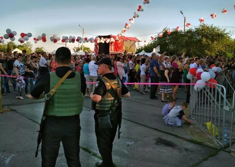 В Авдеевке праздничные мероприятия ко Дню металлурга и горняка прошли под охраной полиции (ФОТО), фото-2