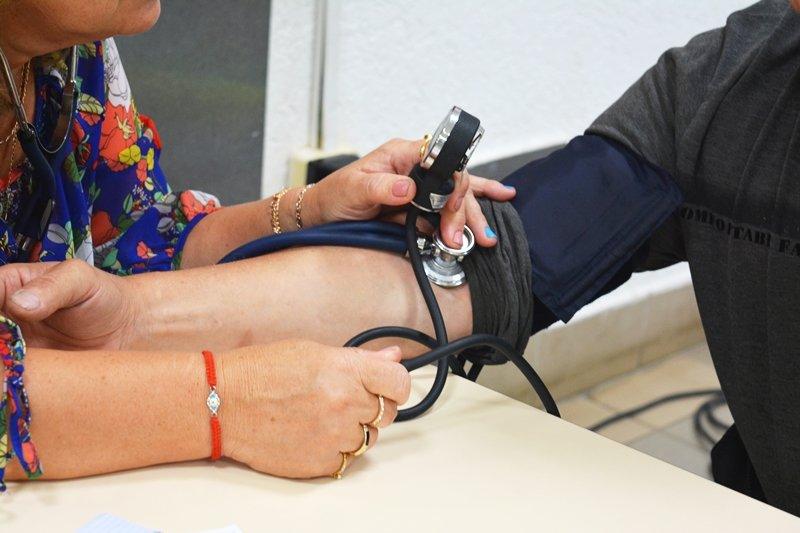 Главное – не «шизовать». В Новополоцке врачи бесплатно раздают «здоровые» советы, фото-2
