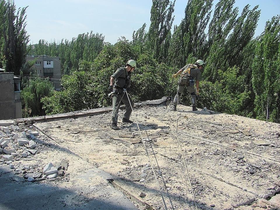В Авдеевке приступили к демонтажу обрушившегося фасада многоэтажки(ФОТОФАКТ), фото-3