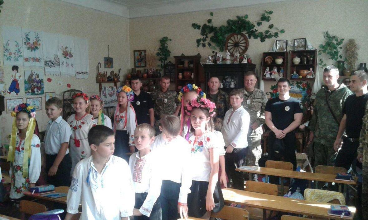 Авдеевка открыла сердца для полицейских с Хмельниччины (ФОТО), фото-6