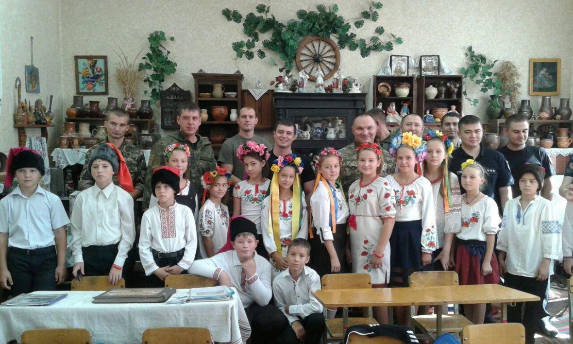 Авдеевка открыла сердца для полицейских с Хмельниччины (ФОТО), фото-17