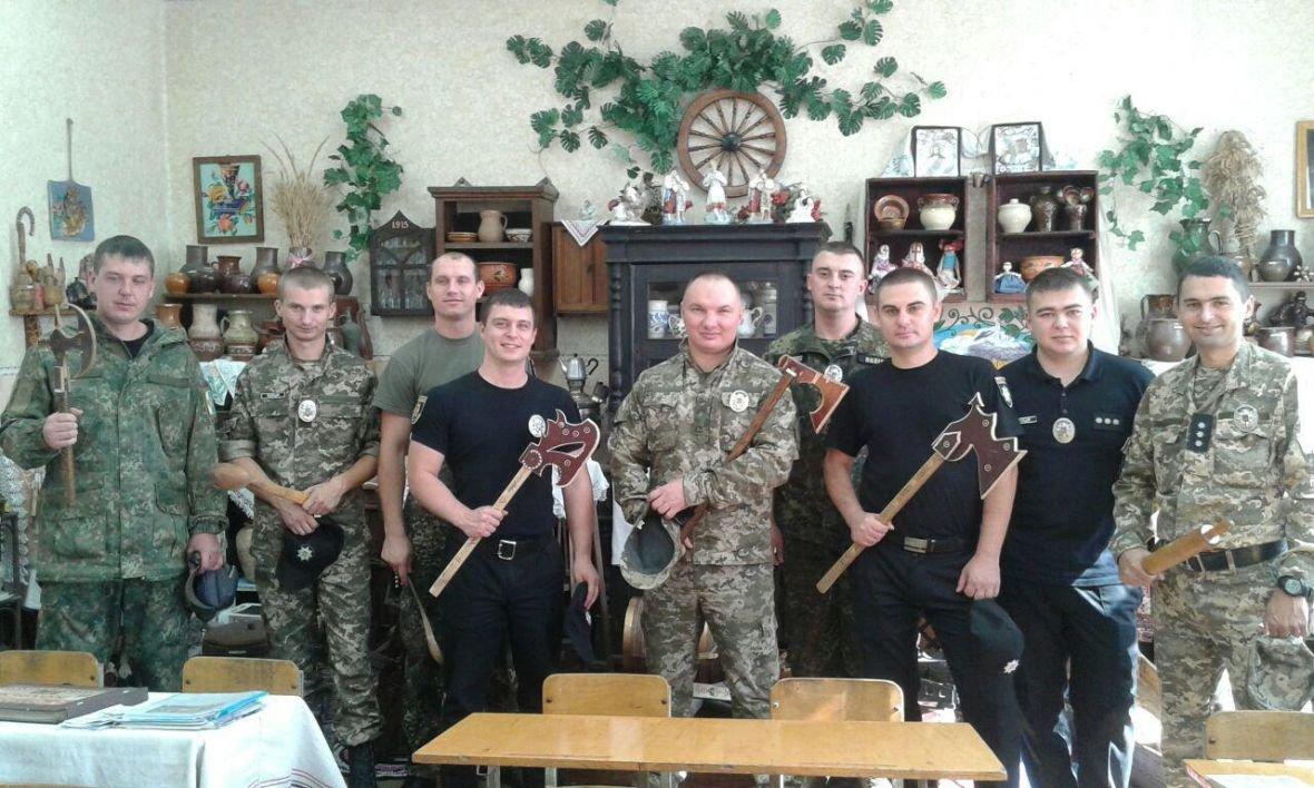 Авдеевка открыла сердца для полицейских с Хмельниччины (ФОТО), фото-16