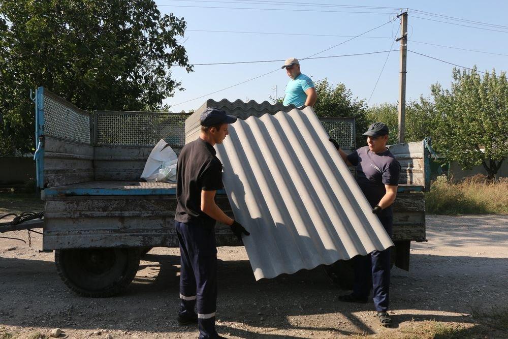 На счету спасателей ГСЧС 52 восстановленных дома. Работы в Авдеевке продолжаются (ФОТО), фото-1