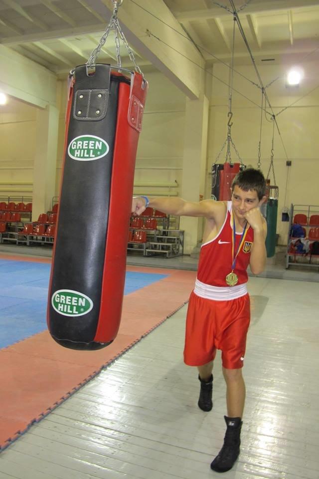 Авдеевский боксер стал №1 в сборной Украины по боксу среди юношей (ФОТО), фото-1