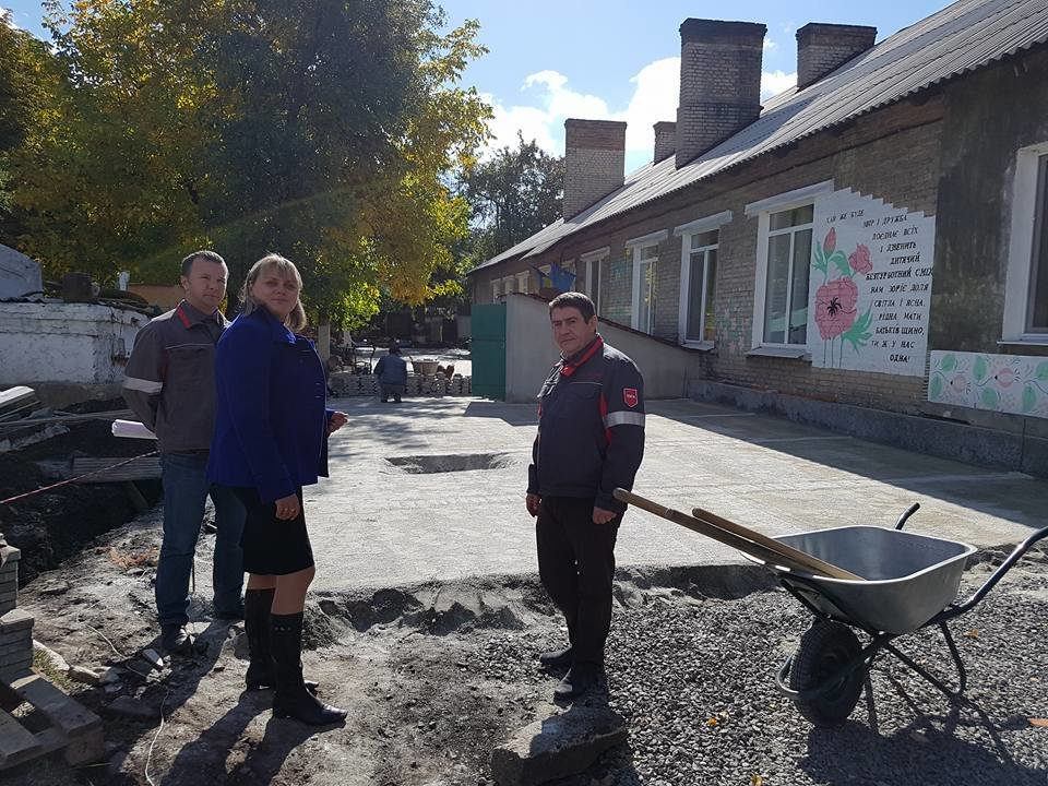 Программа Социального Партнерства: Заводчане АКХЗ спешат завершить ремонтные работы на городских объектах, фото-2