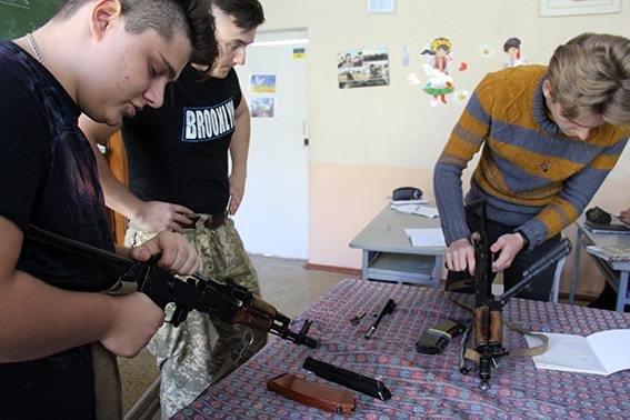 Школьников Авдеевки начали обучать офицеры ВСУ (ФОТО), фото-2