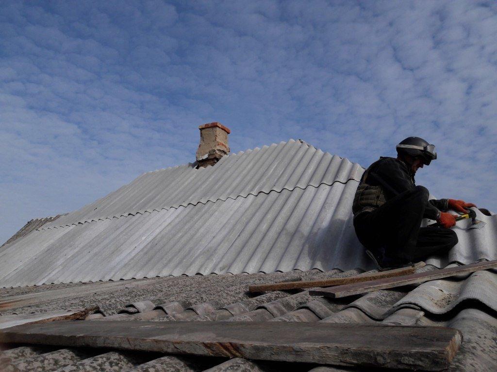 Спасатели ГСЧС продолжают восстанавливать прифронтовую Авдеевку (ФОТО), фото-2