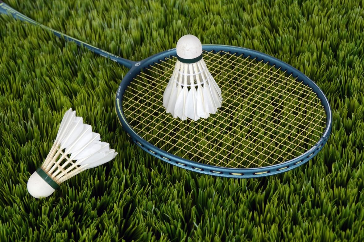 grass-white-sport-lawn-meadow-play-613709-pxhere.com