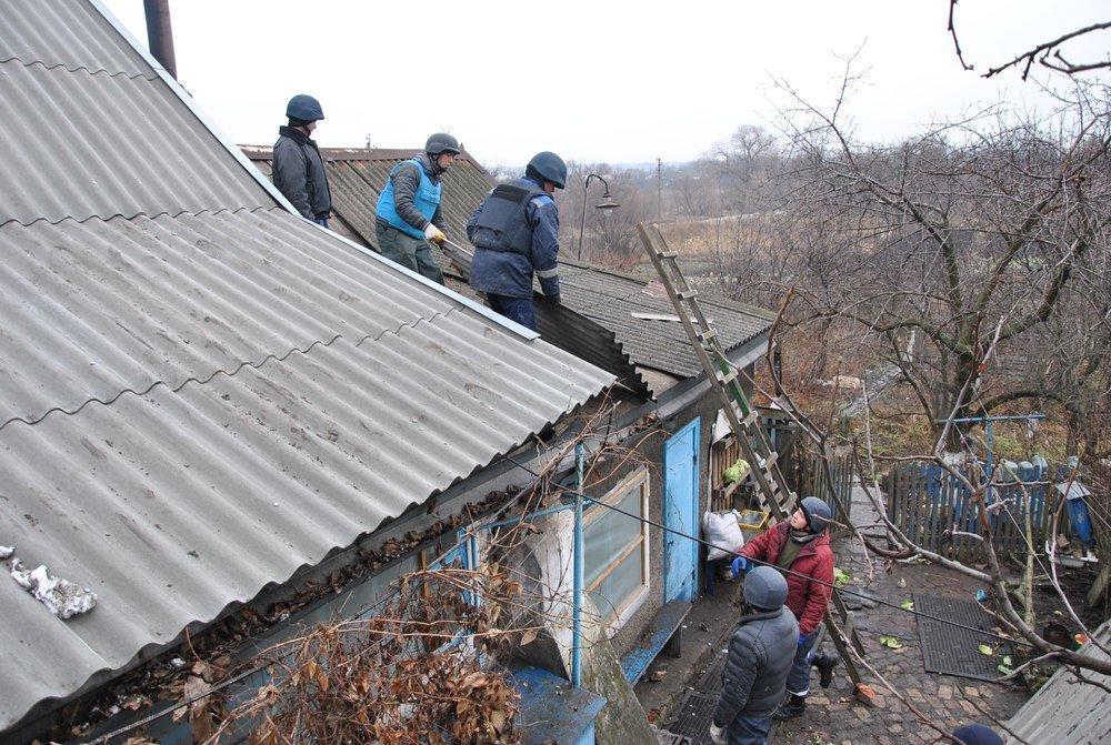 Восстановительные работы в Авдеевке кипят без выходных (ФОТО), фото-4