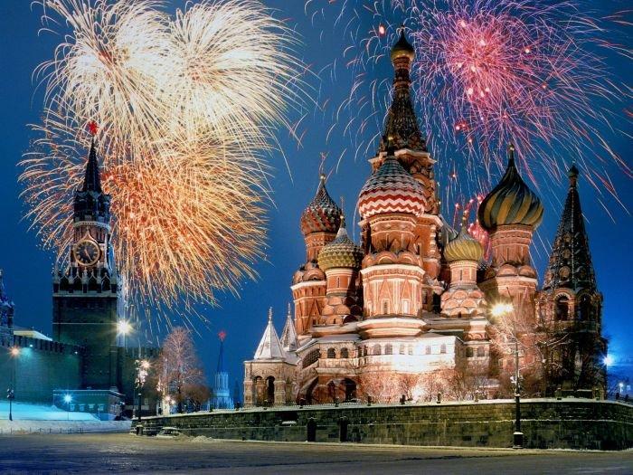 World_Russia_Fireworks_022089_