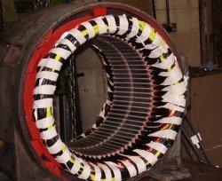 Ремонт низковольтных электродвигателей с всыпной обмоткой - статор низковольтного электродвигателя после укладки всыпной обмотки