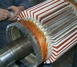Ремонт электродвигателей и генераторов постоянного тока - укладка обмотки якоря генератора постоянного тока