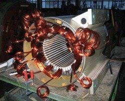 Ремонт низковольтных электродвигателей с всыпной обмоткой - укладка статора низковольтного электродвигателя с всыпной обмоткой