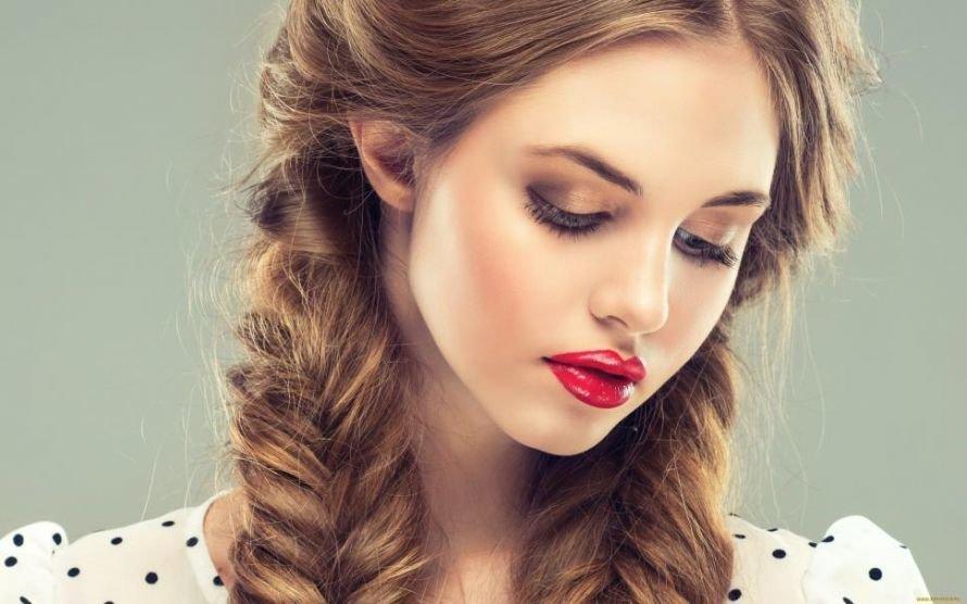 women-auburn-hair-brunette-long-hair-face-beauty-twin-tails-red-lip-2K-wallpaper-middle-size