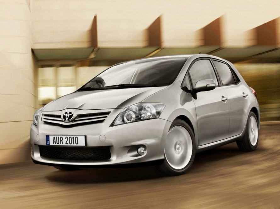 avtomobili+Toyota+obnovlennij+tojota+auris+63586736969