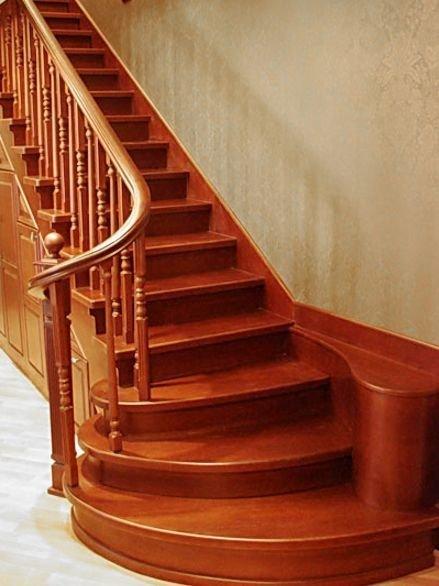 изготовление лестниц, лестницы из дерева