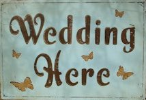 wedding here sign