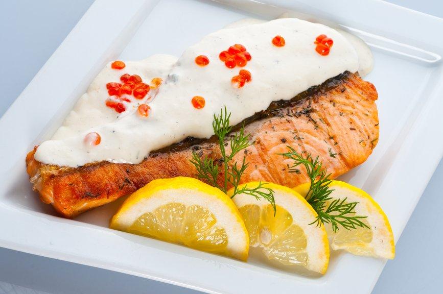receta-de-salmon-con-salsa-holandesa