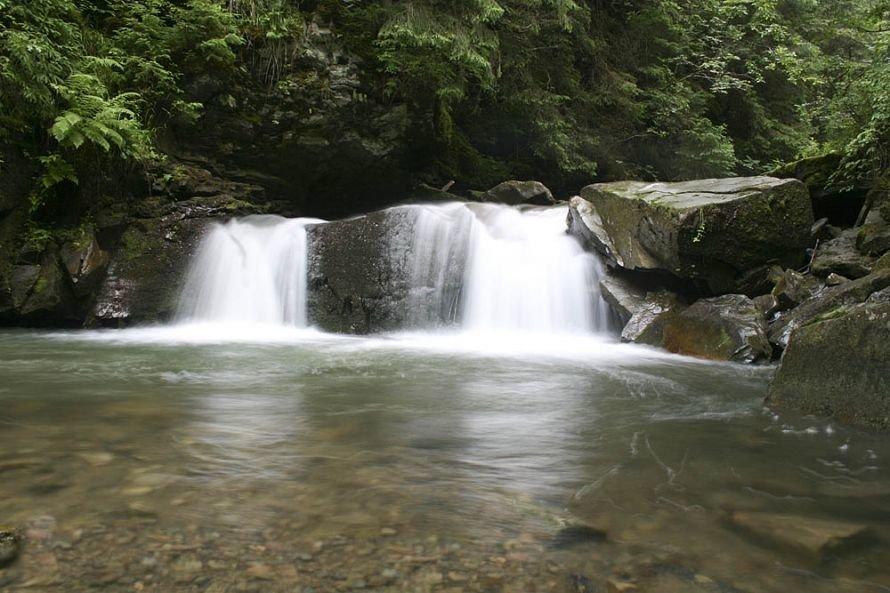 vodopad-Kaplivets-v-YAremche