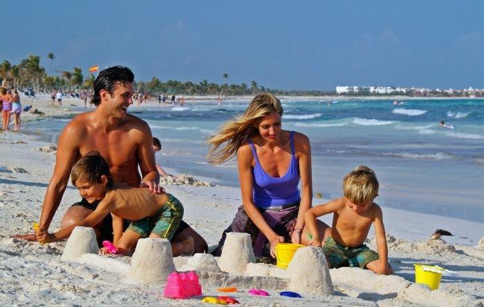 Juegos-en-familia-en-la-playa4