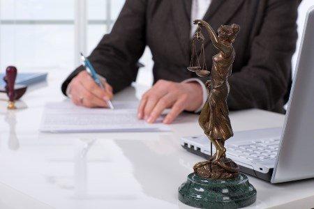 xoroshij-advokat-v-lyubercax