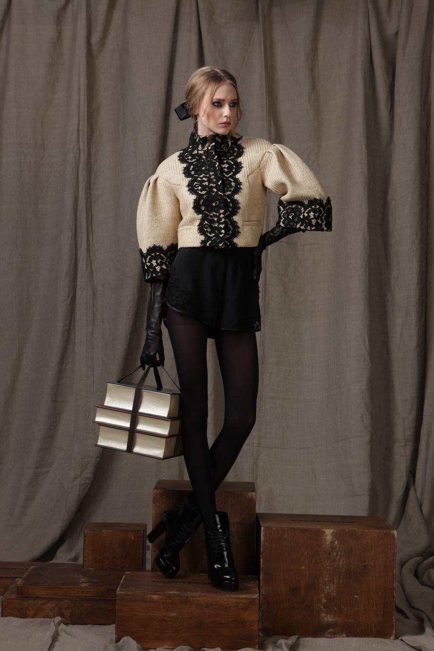 Жакет-солома,кружево-100%хлопок; шорты-100%шелк,кружево-100%хлопок