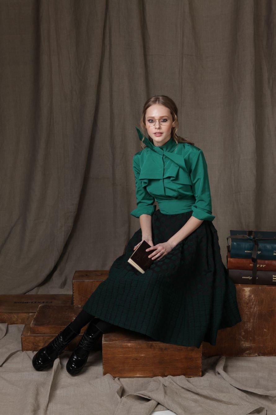 Блуза-100%хлопок,юбка-80%шерсть,15%полиестр, 5%спандекс