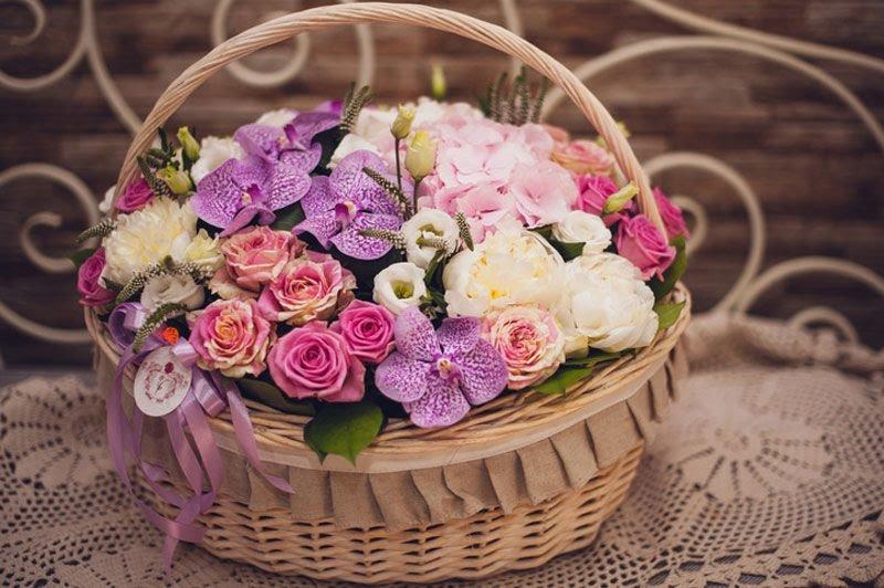 корзины-цветов-с-доставкой